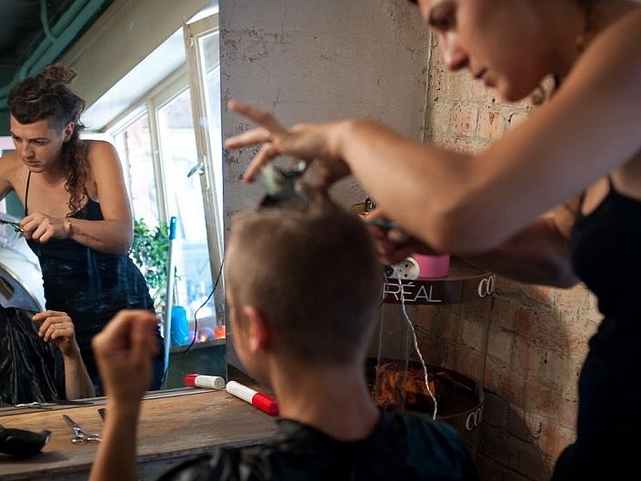 Les sales coiffeuses